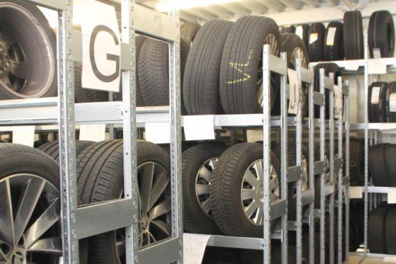 Wir lagern Ihre Reifen ganzjährig zu fairen Preisen.